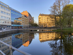 Järntorgsgatan med Svartån i Örebro.